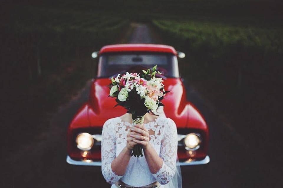 Carros antigos para o casamento: saibam mais sobre esses modelos charmosos