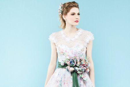 21 Vestidos com efeito aquarela: cores e originalidade na moda nupcial