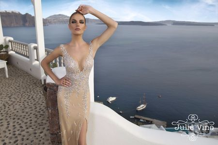 20 Espetaculares vestidos dourados para madrinhas de casamento