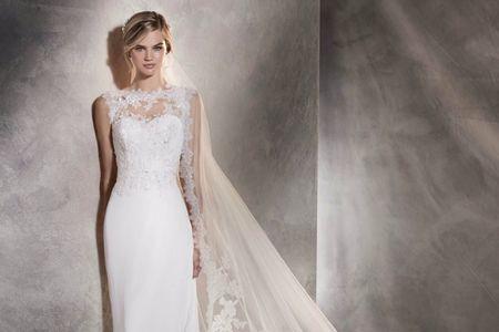 Pronovias 2017: excelência em vestidos de noiva que propõem sensualidade delicada às mulheres