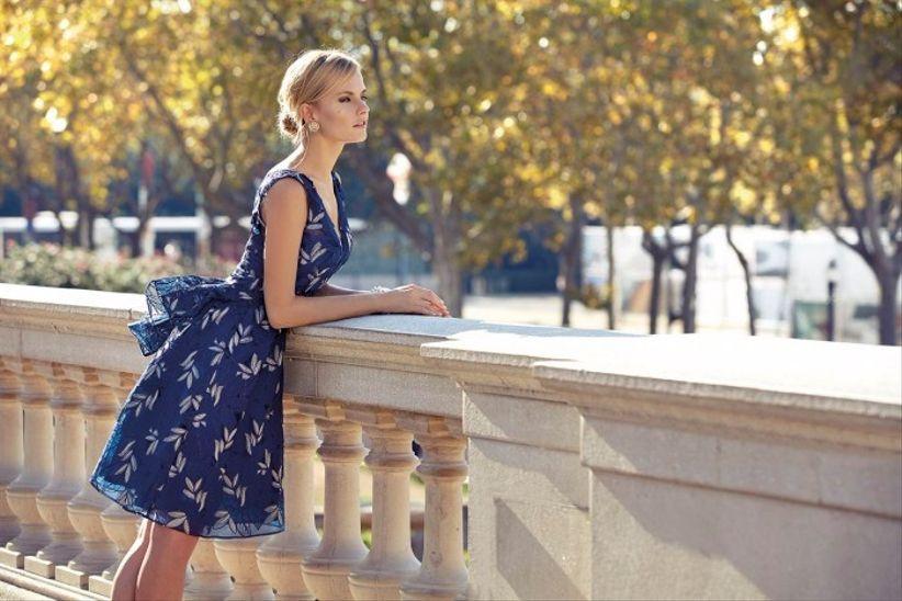 Vestido azul marinho curto para casamento de dia