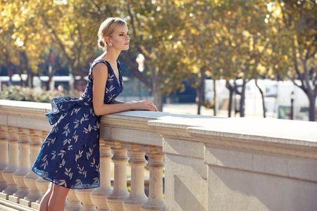 40 vestidos em azul para um look de convidada