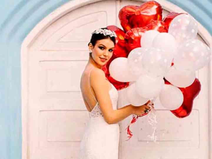 Vestidos de noiva Mariana Biasi: feminilidade e irreverência