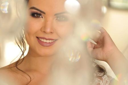 Olhos castanhos em destaque... Tudo o que a noiva quer saber para a sua maquiagem!