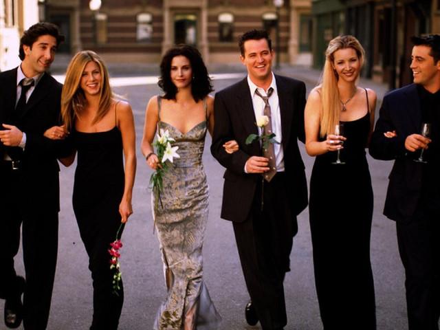 A série mais amada ganha episódio especial! Reviva os casamentos emblemáticos de Friends
