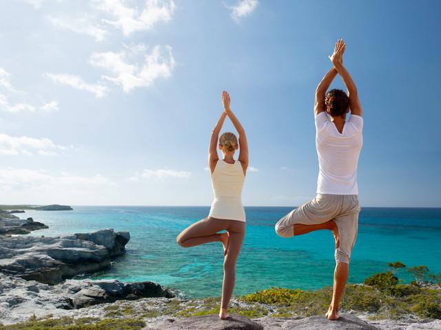 Nervosos com os preparativos do casamento? Pratiquem Yoga!