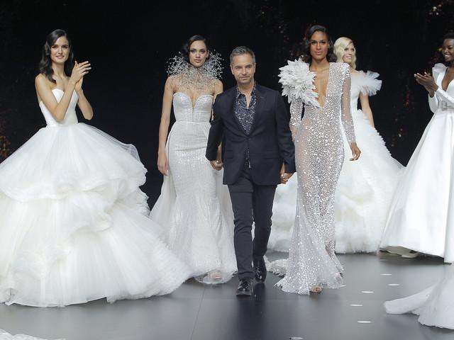 Pronovias 2020: vestidos de noiva que foram além das estrelas