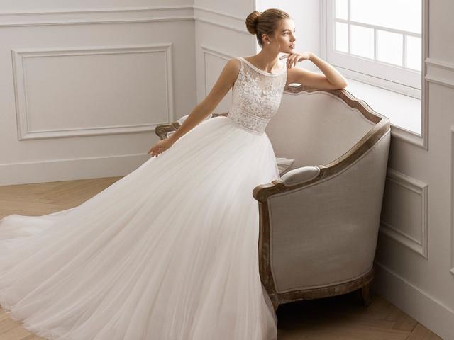 Vestidos de noiva plissados: elegância e toque vintage em 70 modelos