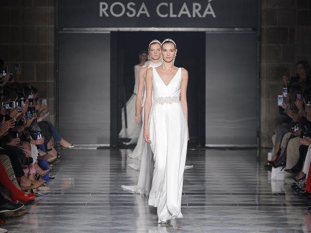 Vestidos de noiva Rosa Clará: sobriedade tradicional na coleção 2020