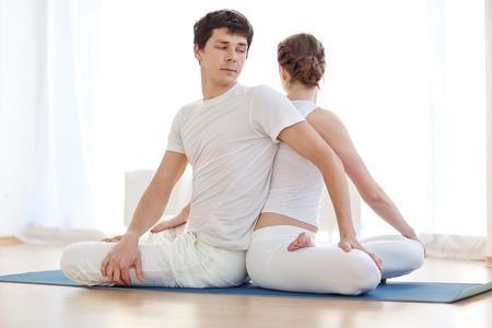 Meditação a dois: as vantagens da prática em casal
