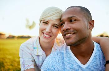Branqueamento dental antes do casamento: o que o casal deve saber