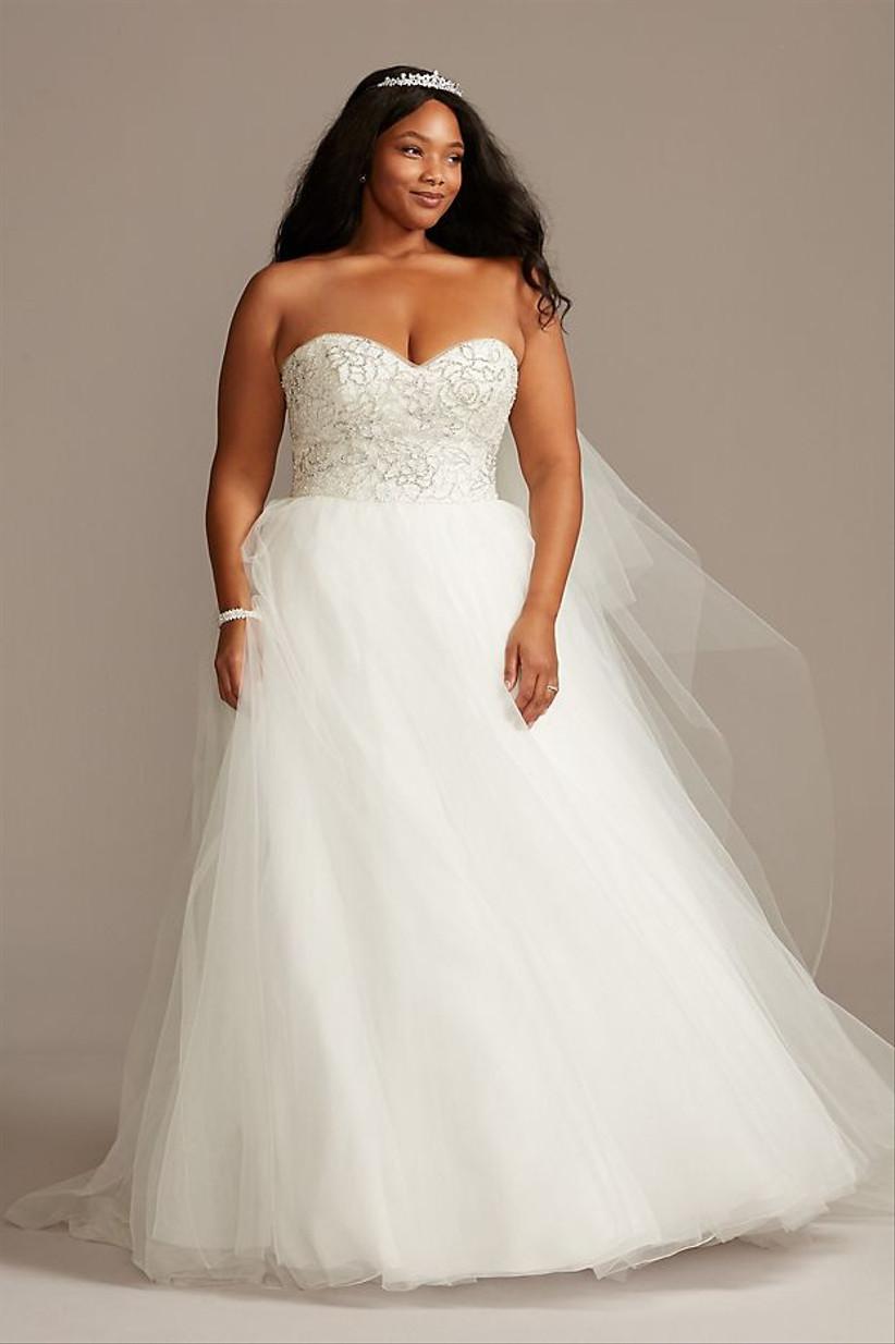 Escolha um SAPATO para esse vestido 1