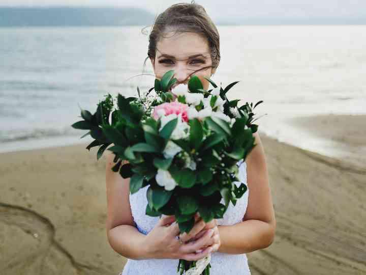 A noiva e o seu buquê: 50 fotos emocionantes desta tradição para te inspirar