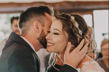 Coques trançados: um penteado atemporal para a noiva