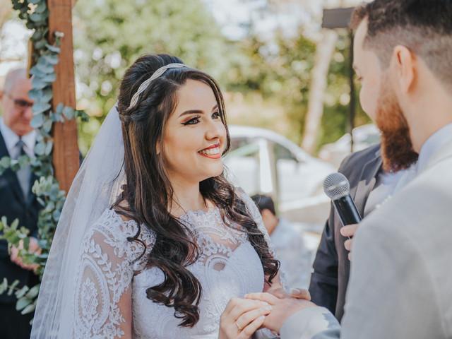 Penteado semi-preso: estrela entre as noivas mais românticas