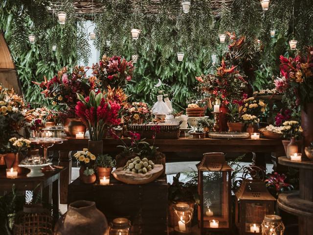 6 Conselhos para colocar um jardim vertical no seu casamento