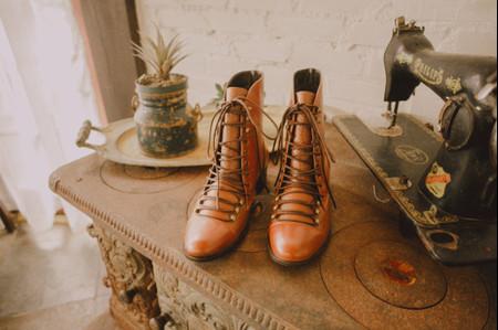 Noivas de botas: originalidade dos pés à cabeça no dia C