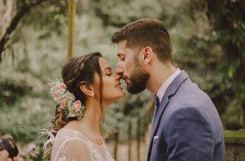 O casamento de Sâmela e Rodrigo: delicadeza boho em todos os detalhes