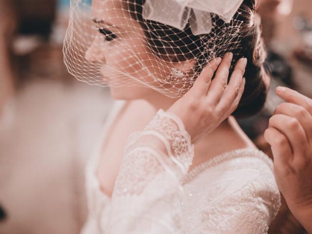 Noivas de voilette: que tal um ar vintage no seu dia?