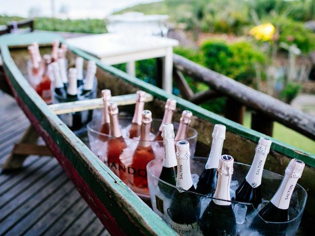 Champanhe: conheça a etiqueta para oferecer essa bebida no dia C