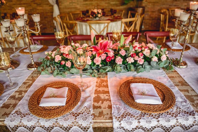 Organizando as mesas da recepção em 7 passos