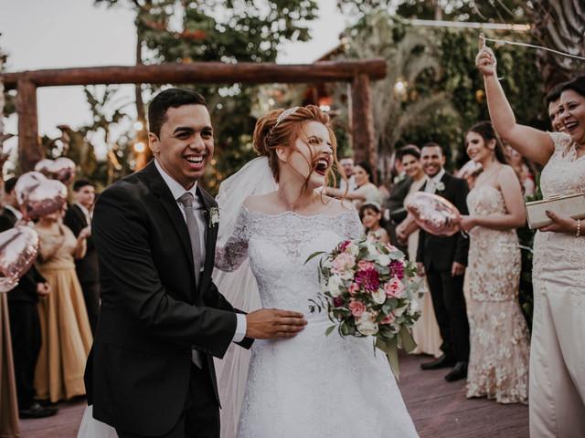 O sorriso (ou gargalhada!) da noiva: fotos espontâneas não podem ficar de fora