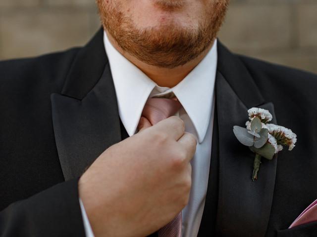 5 dicas de ouro para o noivo acertar com o traje perfeito