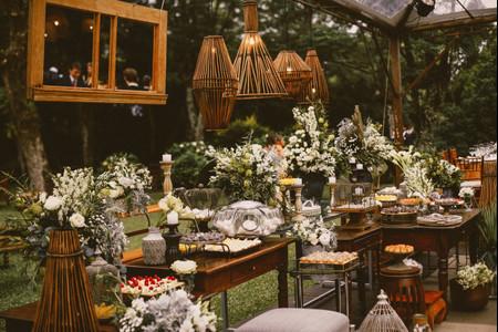 6 Estilos de mobiliário para a recepção: mesas decoradas com personalidade