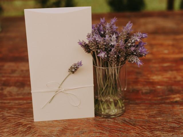Convites minimalistas para o seu dia C