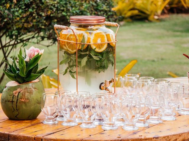 Água aromatizada na recepção: uma delicadeza para os convidados