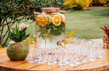Ideias para manter os seus convidados hidratados durante o dia C