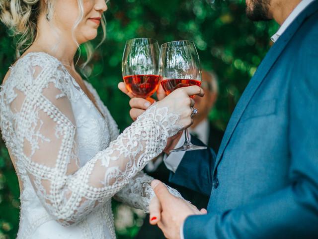 Vinho rosé: como harmonizá-lo com o estilo e o menu do casamento