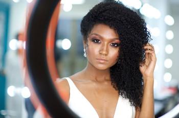 Maquiagem glow: tendência que te deixará estonteante no dia C