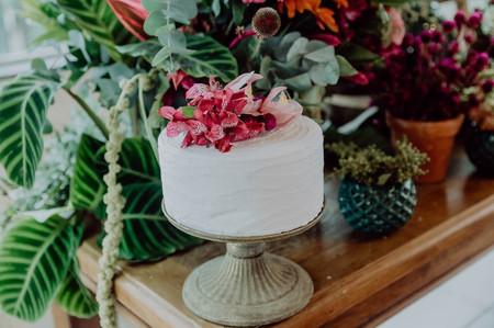 65 Bolos de casamento simples: a beleza minimalista