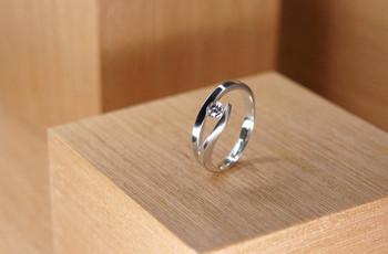 As alianças de casamento podem ter outro visual... Já pensaram no ouro branco?