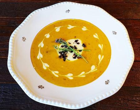10 Ideias de sopas e cremes com ingredientes regionais para a recepção