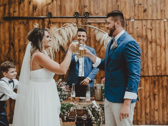 Amantes da cerveja, atenção! 3 ideias irresistíveis para um casamento temático