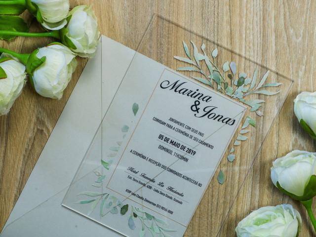 Convites de casamento em acrílico: apostem nessa tendência