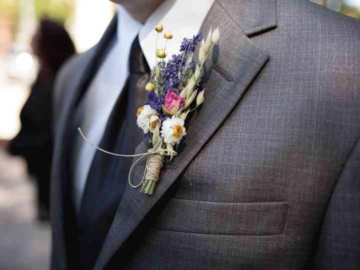 Boutonnières para os trajes de noivo: 50 modelos belos e diferentes