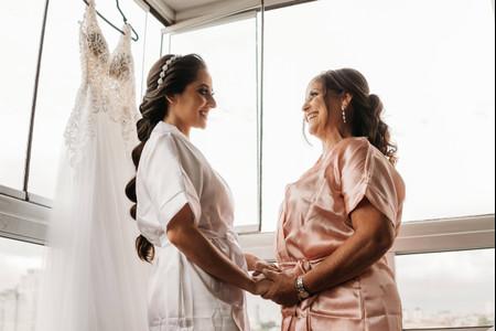 Conselhos de filha: dicas para a noiva ajudar a sua mãe a escolher o vestido do enlace