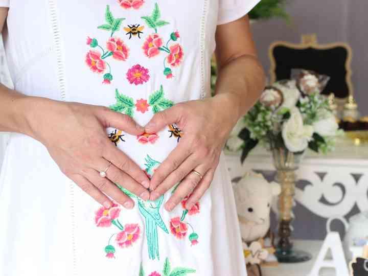 5 Presentes para noivas grávidas que elas amariam ganhar