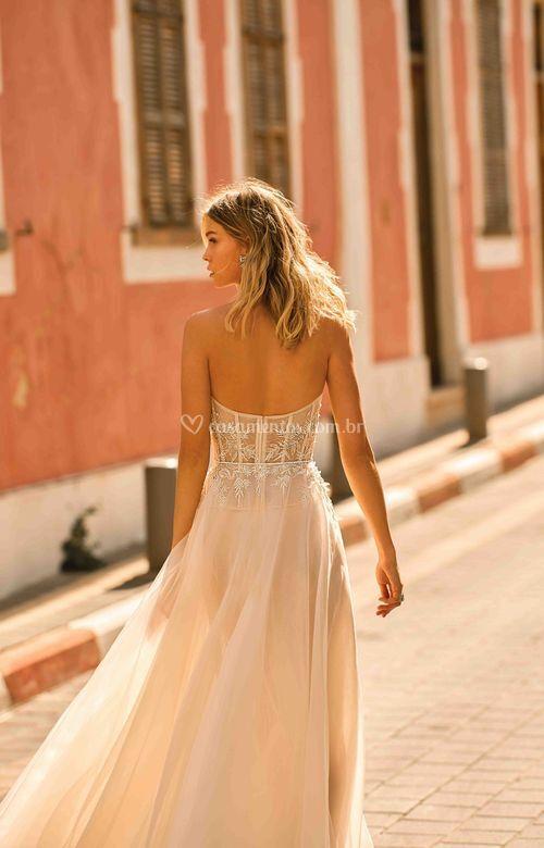 ESMERALDA, Muse by Berta