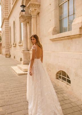 ERIN, Muse by Berta