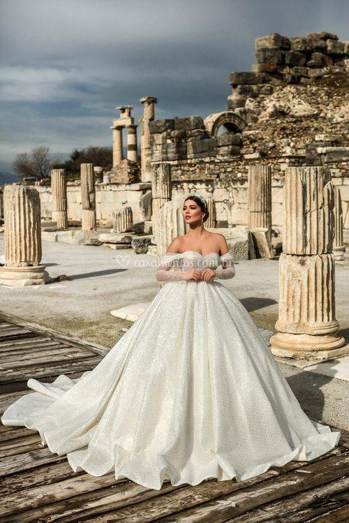 Sapphire, Dovita Bridal