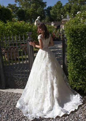 alisia, Dovita Bridal