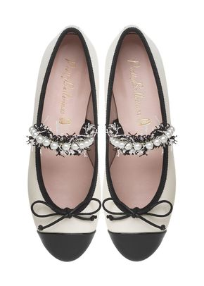 47940.A.C, Pretty Ballerinas