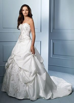 Style 758, Alfred Angelo