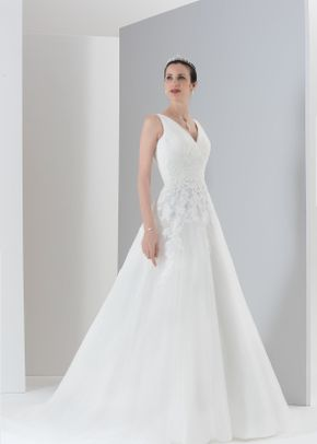 Majesty, Monique Lhuillier
