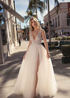 CARMEN, Muse by Berta