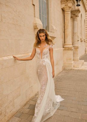 EVELYN, Muse by Berta